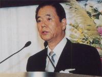 川口 貢 理事長
