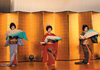 新潟古町芸妓による舞